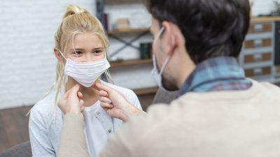 """Un medic cunoscut se opune desfășurării examenelor de anul acesta. """"Sănătatea copiilor e în pericol!"""""""