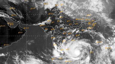 Un super taifun îi îngrozește pe specialiști! Se îndreaptă direct spre uscat și va avea efecte devastatoare