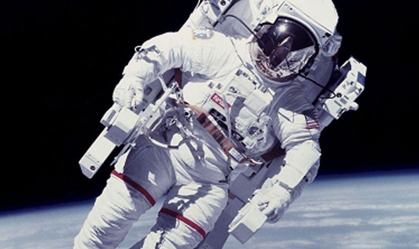 Cine a inventat costumul de astronaut. El a făcut posibilă prima misiune din spațiu