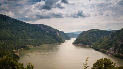 Fenomenul ciudat care se petrece cu Dunărea din cauza oamenilor. Cum s-a micșorat fluviul