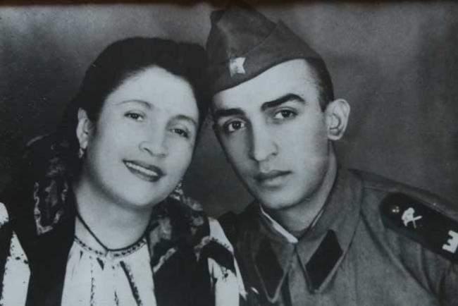 Maria Lătărețu alături de fiul său Ion