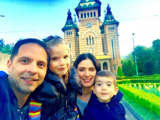 Dan Negru și familia lui