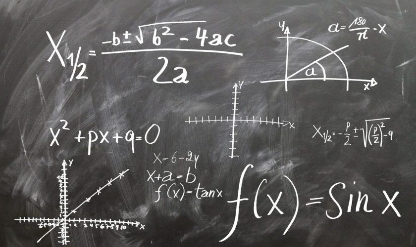 La ce oră începe examenul de matematică, la Evaluarea Națională. Elevii trebuie să ajungă mai devreme!