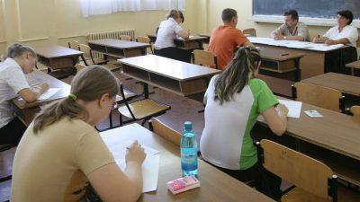 Schimbări radicale cu puțin timp înainte de începerea examenelor de Evaluare Națională și Bacalaureat. Ce se întâmplă cu această categorie de elevi