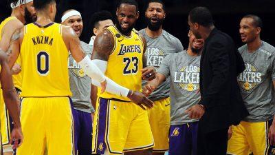 Probleme uriaşe în NBA! 25 de jucători şi 10 membri din staff, testaţi pozitiv cu noul coronavirus!