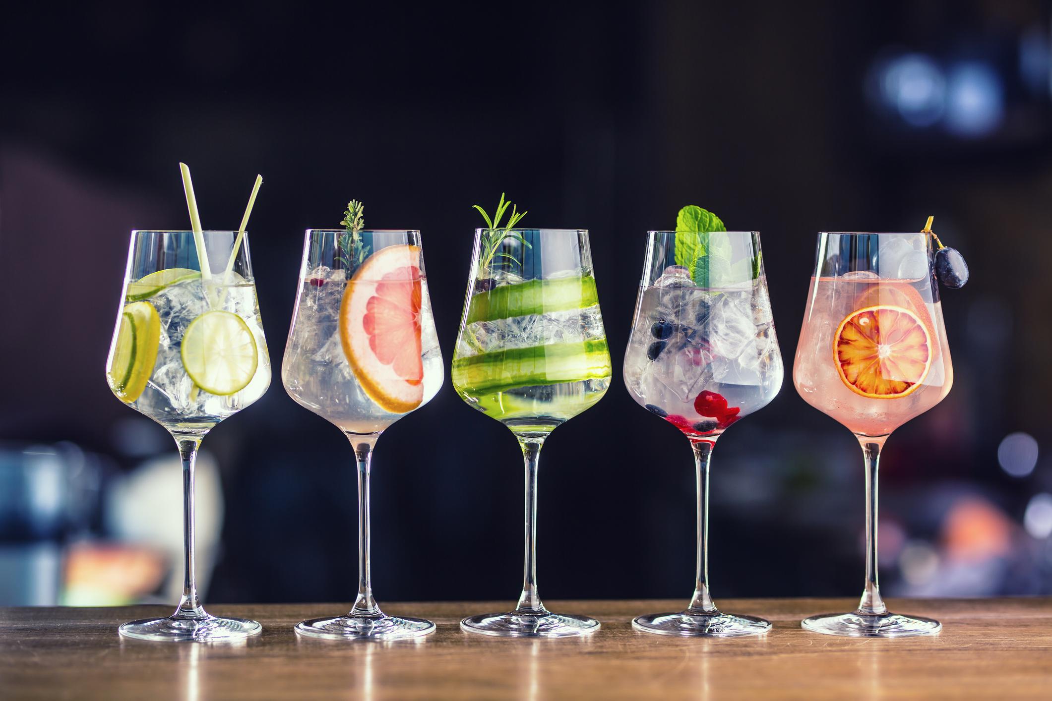 Băuturile carbogazoase și alcoolul dulce, un adevărat pericol pentru sănătate