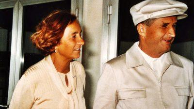 Ce i-a făcut Elena lui Nicolae Ceaușescu, la 20 decembrie 1989. Martorii au văzut tot