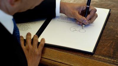 Ce scrie în Biblie despre stângaci. Top 5 mistere despre persoanele care scriu cu mâna stângă
