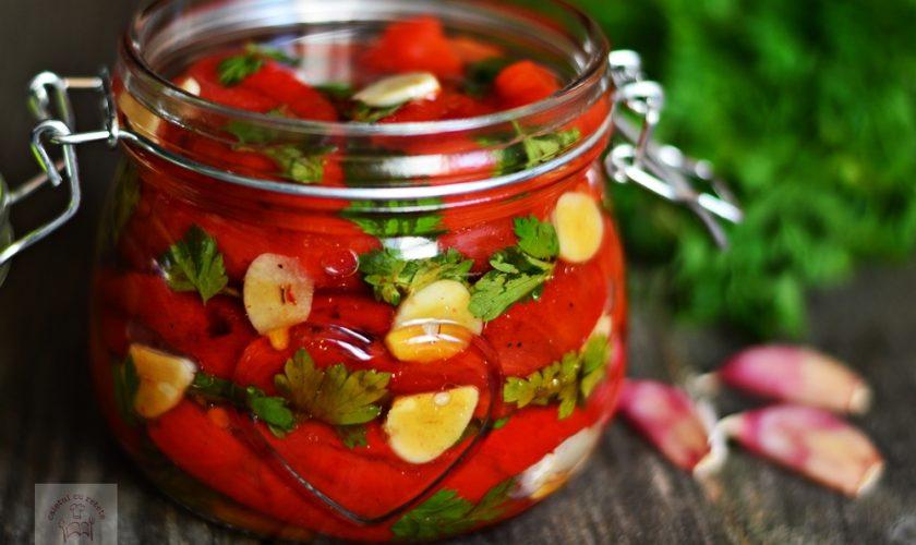 Cea mai delicioasă salată de vară. Rețetă de salată de ardei copți cu usturoi