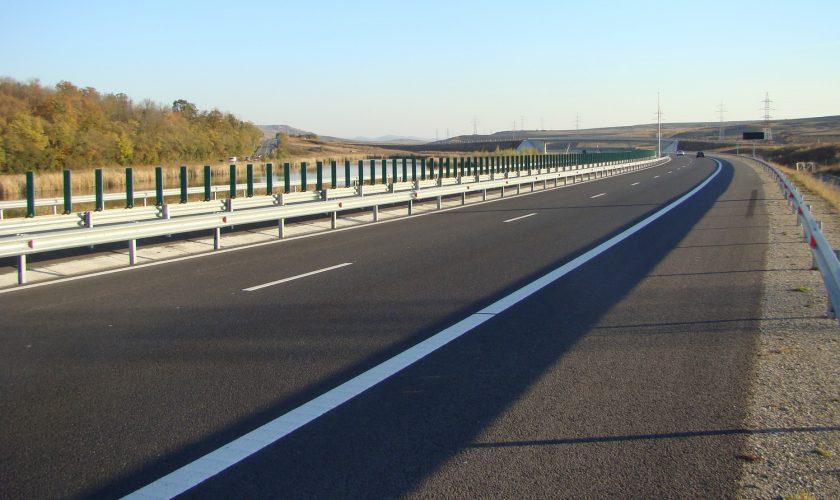 De câți bani este nevoie pentru drumuri în România. Anunțul șocant al Ministrului Transporturilor