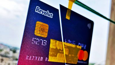Schimbare majoră la conturile Revolut. Milioane de clienți din România sunt vizați