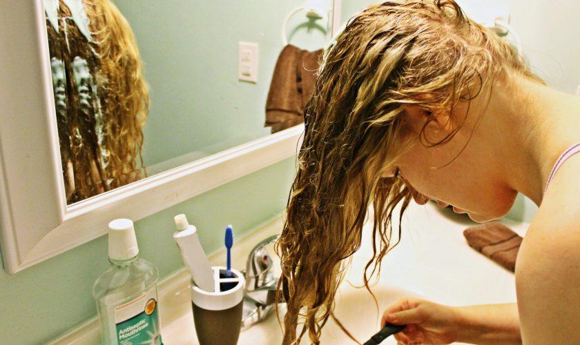Soluția banală cu bicarbonat de sodiu care face minuni pentru păr. Efecte extraordinare