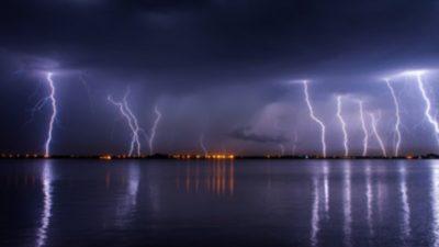 Prognoza meteo ANM pentru duminică, 5 iulie. Ploi și descărcări electrice la ordinea zilei