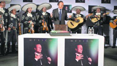 În ce hal a ajuns Julio Iglesias la 77 de ani. Cum a fost surprins acum la plajă