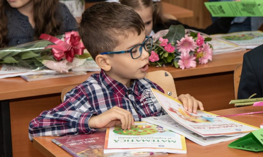 Anul școlar 2020-2021. Ce elevi ar putea să vină zilnic la școală. Recomandări pentru clasa 0