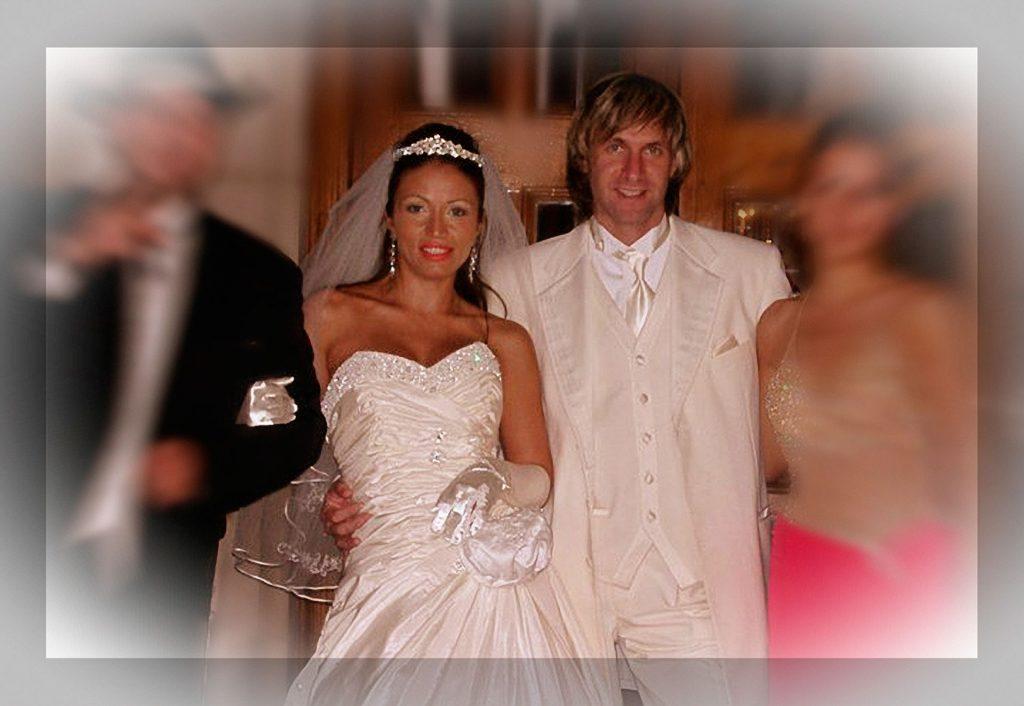 Larisa și Alin Oprea s-au căsătorit în anul 1999