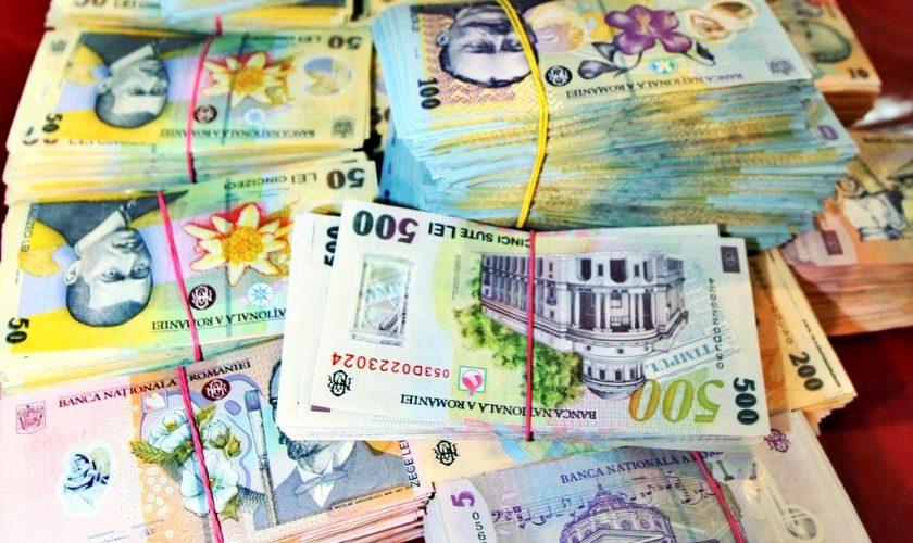 Câți bani câștigă cei mai bogați bugetari. Klaus Iohannis ia de 4 ori mai puțin