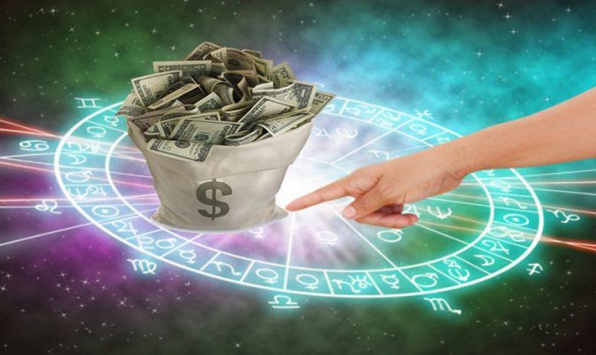 Horoscop carieră 2021. 3 zodii au un noroc uriaș la bani