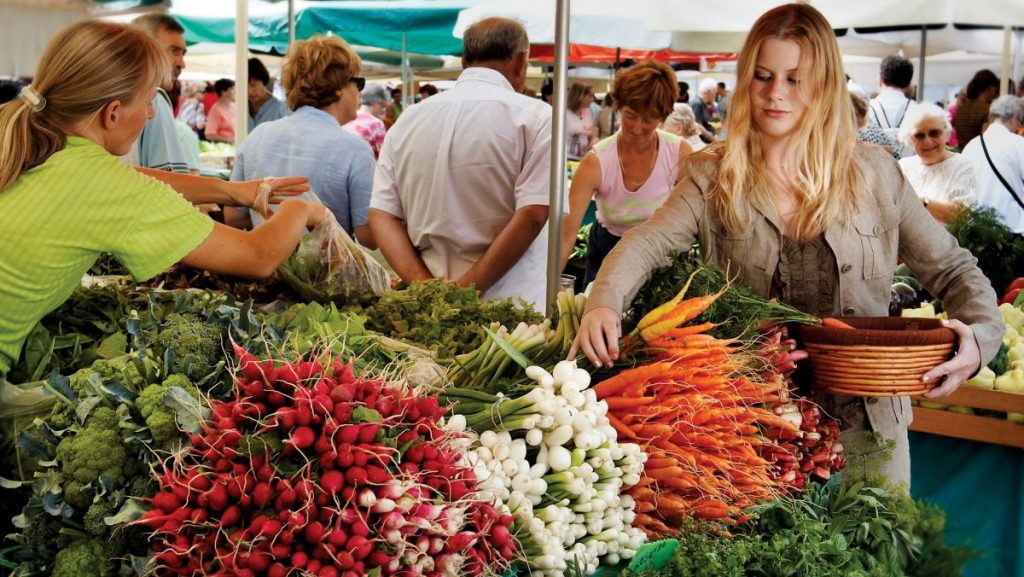 Ce se întâmplă acum cu prețurile la alimente. Ce alimente s-au scumpit în ultimele luni