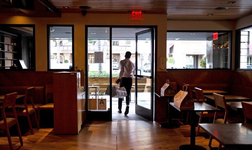 Restaurantele se redeschid de la 1 septembrie. Vestea uriașă dată de Klaus Iohannis