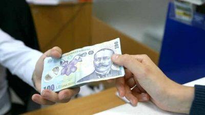 Bani pentru elevi. 200 de euro pentru fiecare copil. Vor beneficia 200.000 de elevi