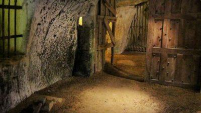 """""""Lumea secretă"""" descoperită sub castel! Aici e, de fapt, cel mai mare buncăr pentru Apocalipsă, dar lumea nu știe"""