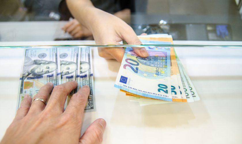 Se dau bani în plus pentru români. Cele 3 categorii de oameni care beneficiază