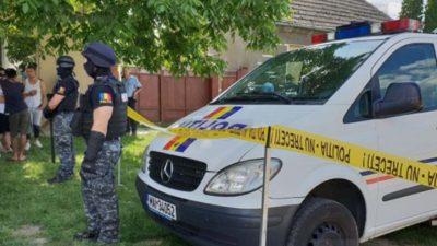 Crimă teribilă în Botoșani. Un bărbat și-a omorât tatăl în chinuri groaznice pentru că i se părea întruchiparea diavolului