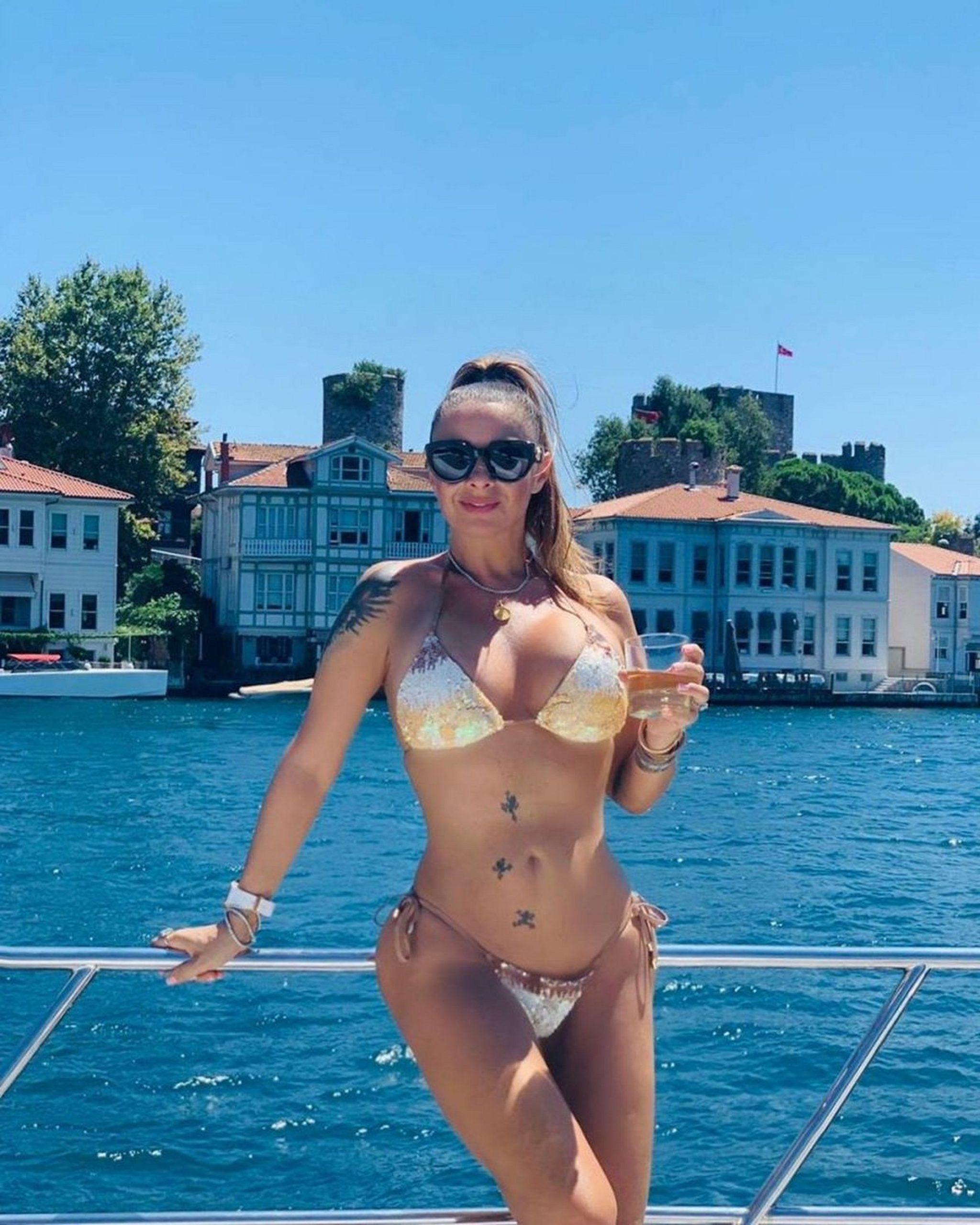 Anamaria Prodan i-a pus la punct pe cei care au făcut-o prostituată