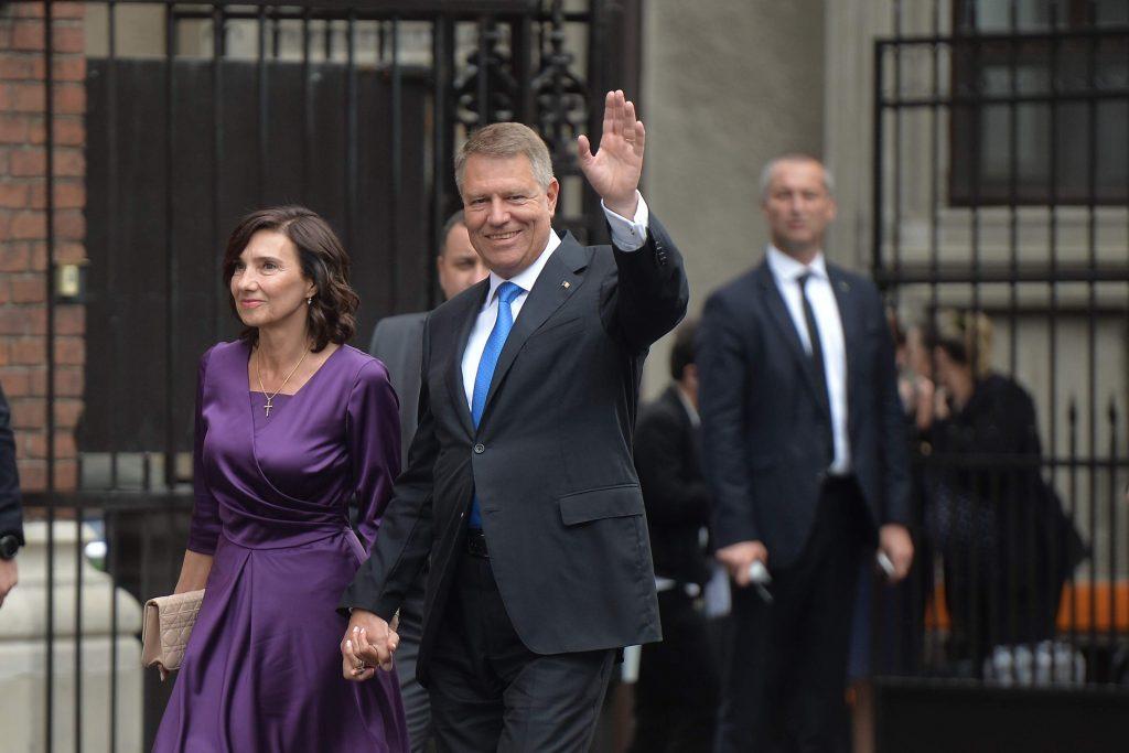 Alegeri locale 2020. Klaus Iohannis nu va vota alături de soția sa. De ce a luat această decizie radicală
