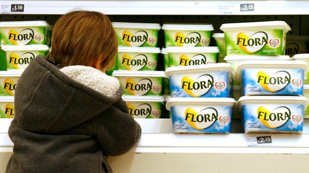 Alimentul interzis în Canada, Elveția și Danemarca. Este foarte dăunător pentru oameni, dar românii îl consumă în exces