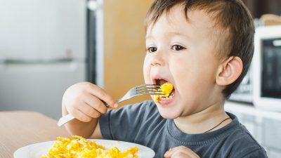 Atenție, părinți români! Alimentul valoros din alimentația copilului tău. Nimic nu îl poate înlocui