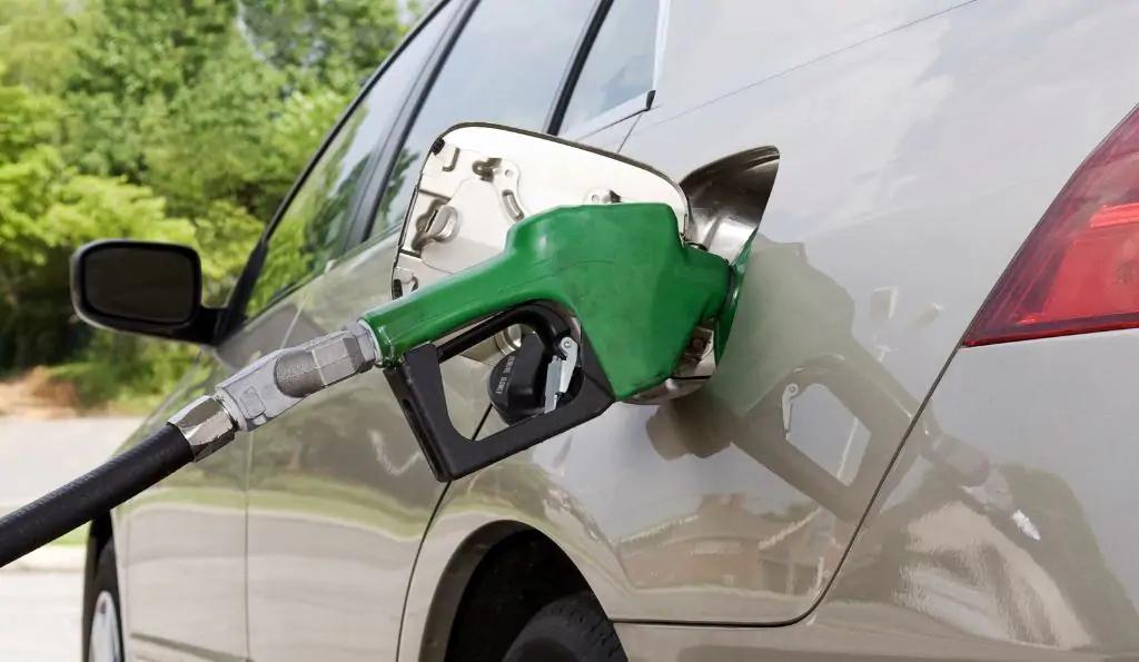 Ce se întâmplă, de fapt, dacă ai pus benzină în loc de motorină. Ce va păți motorul după câteva minute