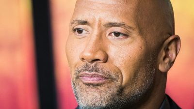 """Dwayne """"The Rock"""" Johnson are COVID-19. Toată familia lui a fost testată. Ce rezultate au primit"""