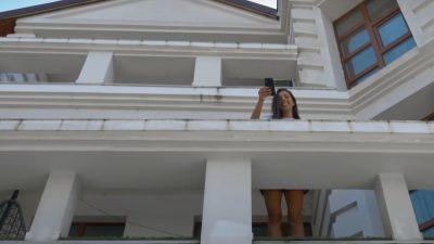 Imagini din vila lui Speak și Ștefania. Cum arată vila uriașă în care s-au mutat VIDEO