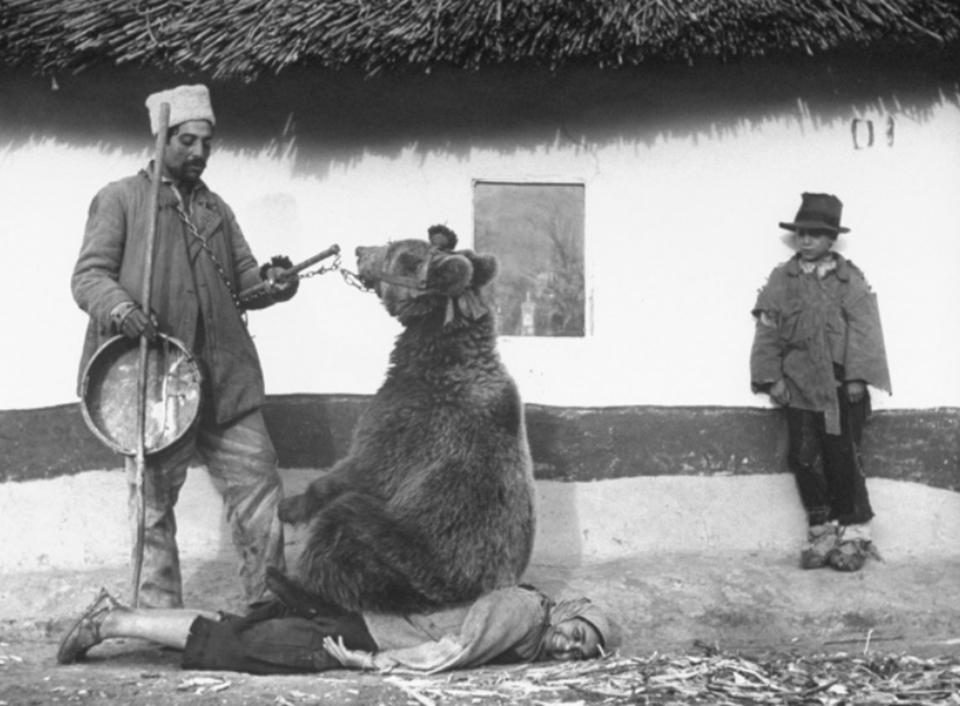 Imaginile istorice care sunt virale și în ziua de azi. Două fotografii sunt din România