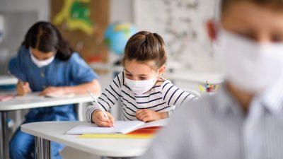 """Metoda prin care ții copilul acasă în pandemie, dezvăluită de un avocat: """"Învățământul e obligatoriu, părinții nu au voie să țină copiii acasă"""""""