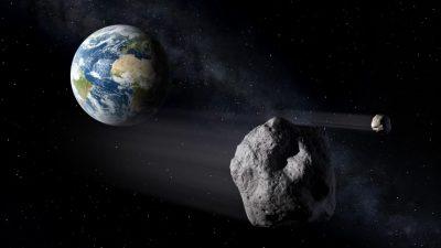 Trei asteroizi uriași se îndreaptă spre Pământ. Ce spun specialiștii