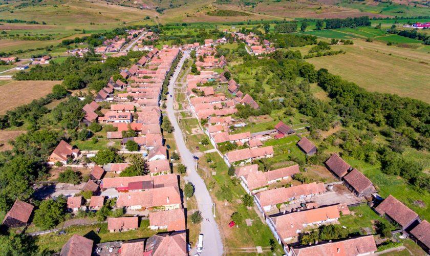 Viscri, satul iubit de Prințul Charles, are o problemă majoră. Ce au început să facă turiștii în Transilvania