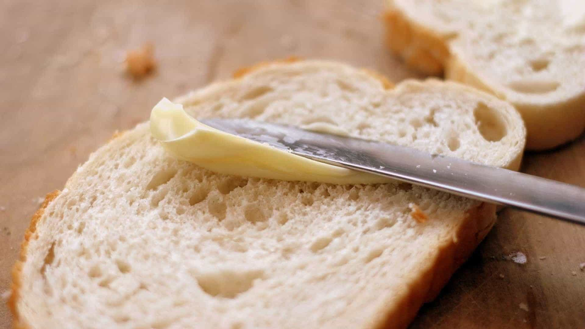 Margarina, alimentul preferat al românilor care este extrem de dăunător