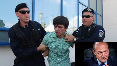 EXCLUSIV Ce face bărbatul care l-a scuipat pe Traian Băsescu în fața a mii de oameni! Ce s-a ales de bietul Adrian Zglobiu, acum