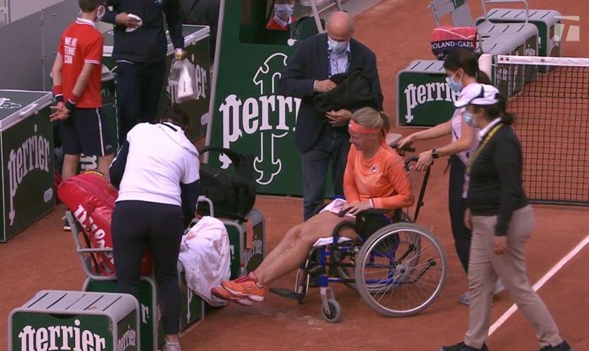 """Scandal la Roland Garros. Jucătoare, scoasă într-un scaun cu rotile, dar adversara a izbucnit """"Du-te dracului!"""""""
