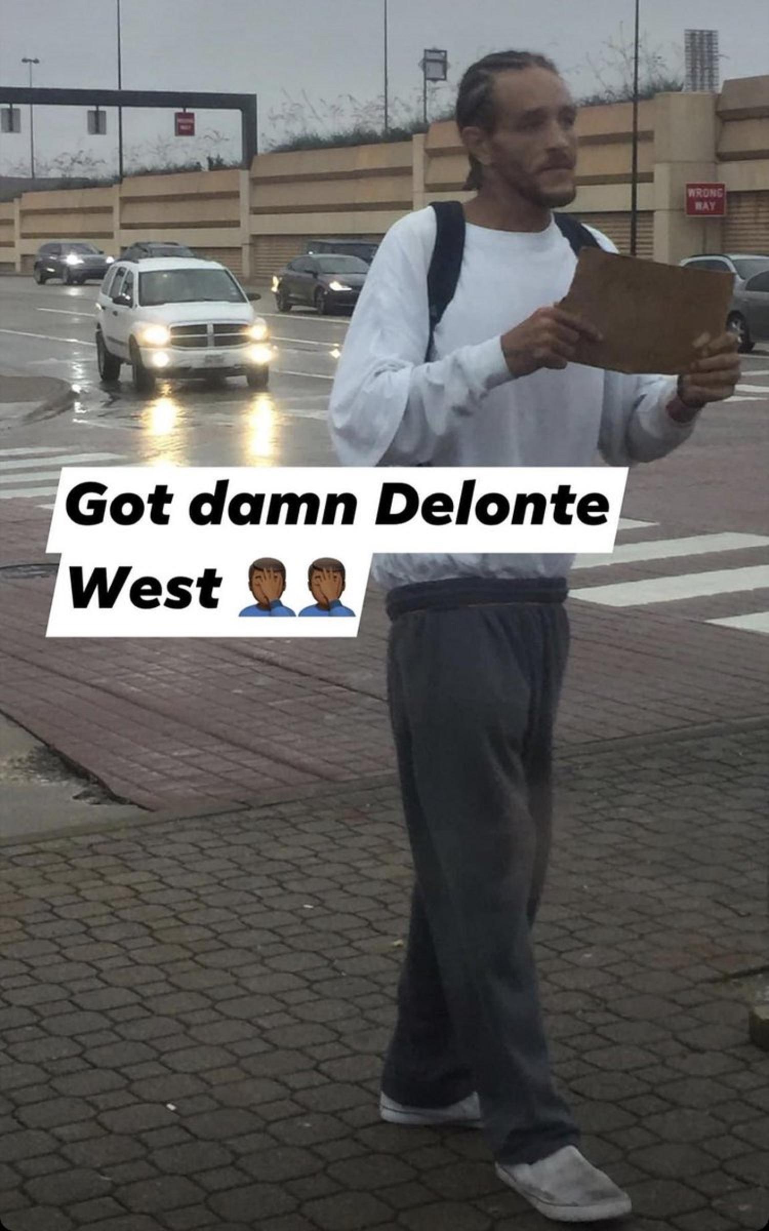 Delonte West a ajuns sa cerseasca pe strazi