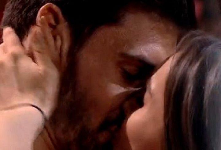Burcea și Viviana Sposub, sărut în văzul tuturor