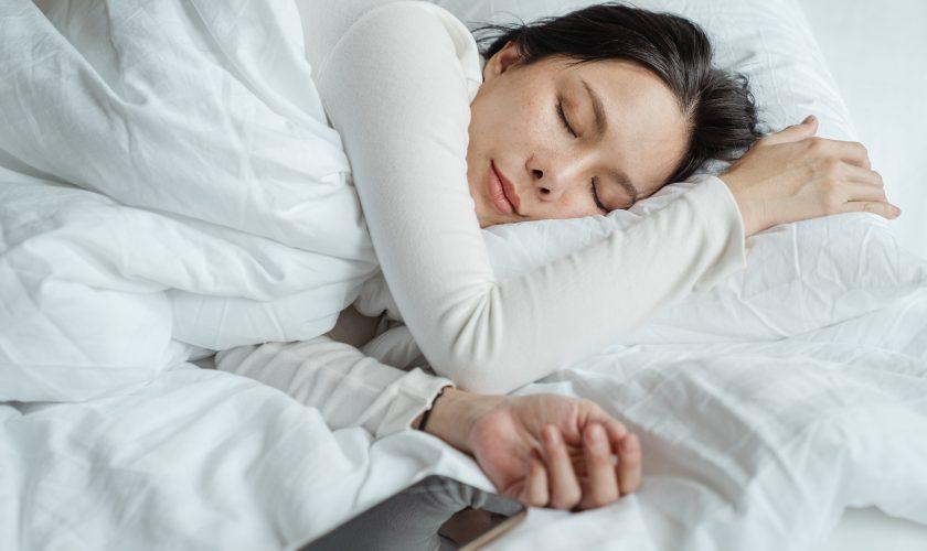 Ce se întâmplă în corpul tău dacă pierzi doar o oră de somn? Atenție, specialiștii spun că ești în pericol