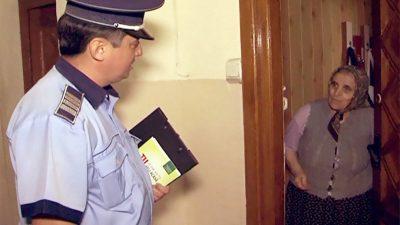 Detaliul din buletin care îți trimite poliția la ușa. Atenție, români! Autoritățile o să vă bată la ușă de azi