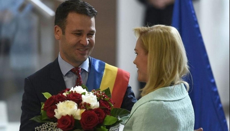 Robert Negoita era numai in zambet cu Primarul General Gabriela Firea