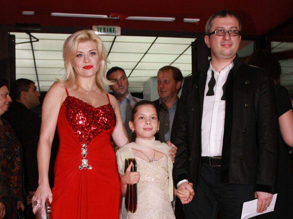 Loredana Groza în urmă cu câțiva ani alături de fiica și soțul ei