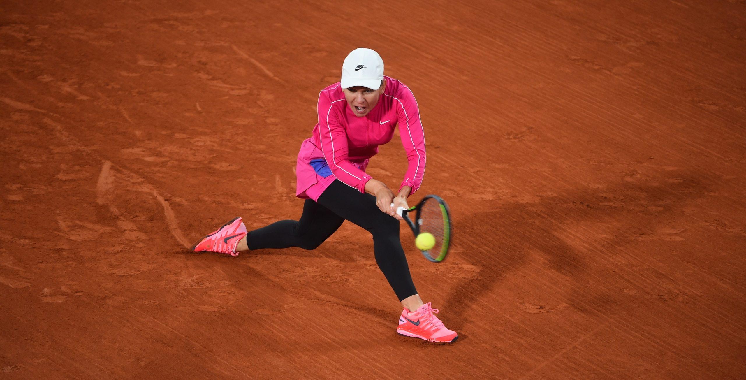 Simona Halep a jucat imbracata mai gros pentru ca la Paris a fost frig