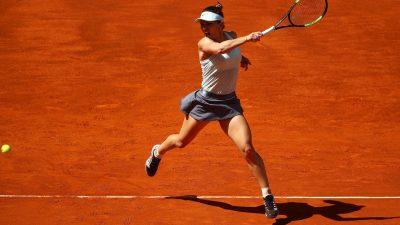 Simona Halep a învins-o pe Irina Begu cu greu. Ce probleme a avut din cauza terenului, săraca!